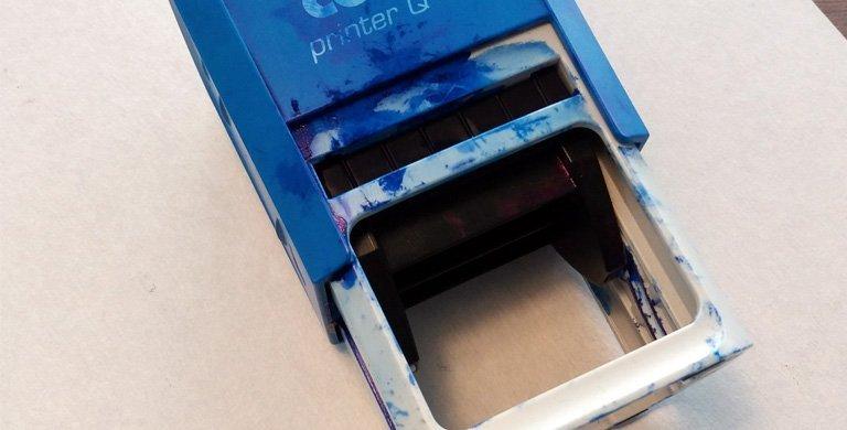Entintar segell automatic